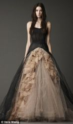 http://www.dailymail.co.uk/femail/article-2050047/Vera-Wangs-black-wedding-dresses-mark-turning-tide-bridal-trends.html